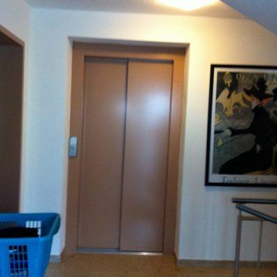 Aufzug in der Demenzwohngruppe und Demenzwohngemeinschaft Winterberg Bahnhofstr