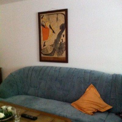Blaue Couch in der Demenzwohngruppe und Demenzwohngemeinschaft Winterberg Bahnhofstr