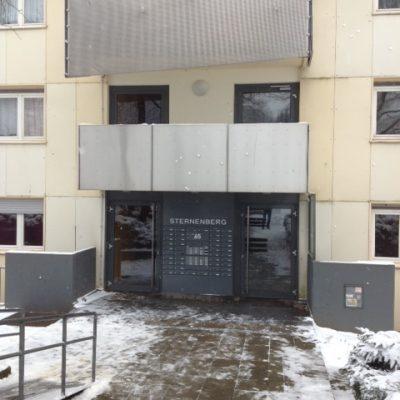 Eingang Hochhaus von der Demenzwohngruppe und Demenzwohngemeinschaft Wuppertal Sternenberg