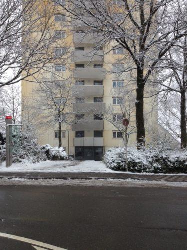 Ansicht Hausfront Hochhaus von der Demenzwohngruppe und Demenzwohngemeinschaft Wuppertal Sternenberg