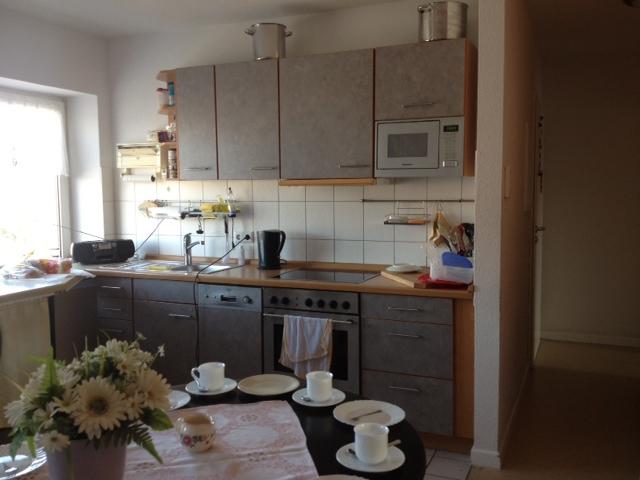 Küche mit Sitzgruppe in der Demenzwohngruppe und Demenzwohngemeinschaft Herne Am Buschmannshof