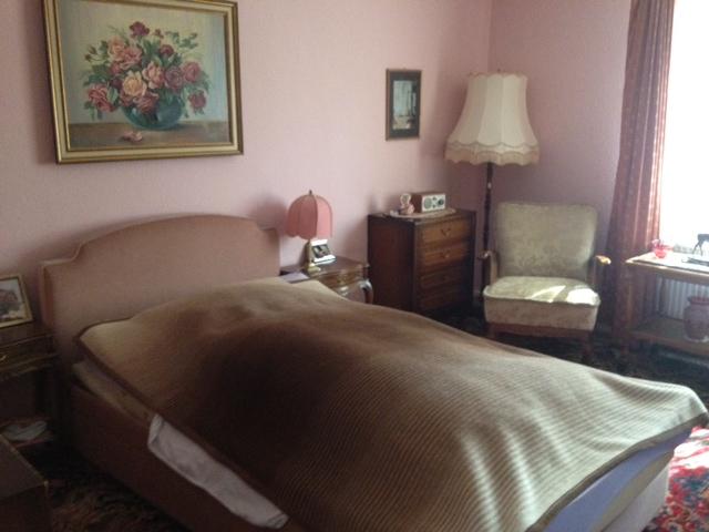 Einzelzimmer individuell eingerichtet in der Demenzwohngruppe und Demenzwohngemeinschaft Herne Am Buschmannshof