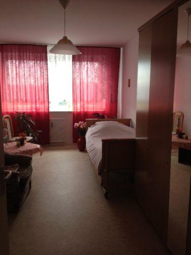 Einzelzimmer in der Demenzwohngruppe und Demenzwohngemeinschaft Herten Kaiserst